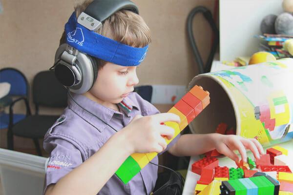 Нарушения аутистического спектра
